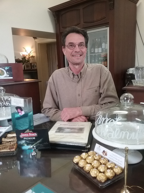 Cafe, Owner, Robert Fuss, Welcome, Palm Court Cafe