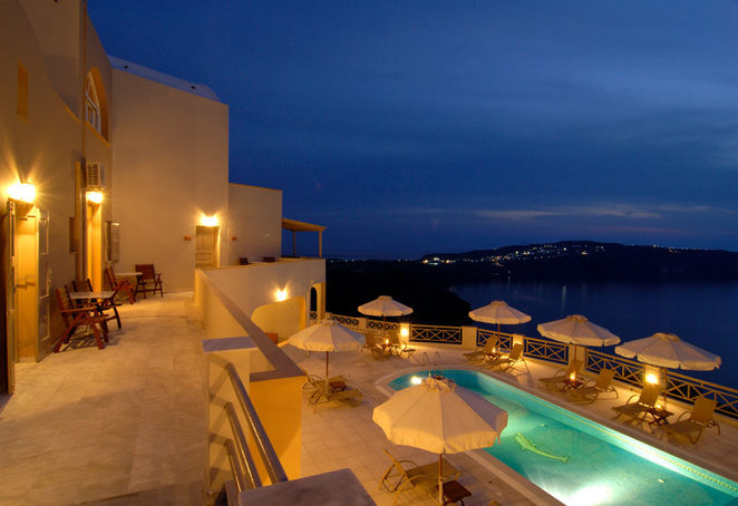 Romantic hotels Santorini