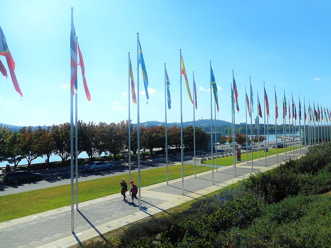 international flag display, canberra, ACT, lake burley griffin, queen elizabeth terrace, ACT, parliamentary triangle,