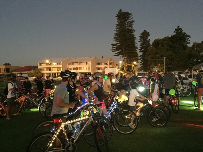 light me up ride 2019, community event, fun things to do, city of fremantle, glow ride, celebrate cycling, shine a light on the bike, south beach, beachside paths, 5km bike ride, suitable for all riding abilities, bike helmet, bike light reflectors, prizes for best decorated bikes, recycled, upcycled, reusable materials, freo doctor, jacket for warmth
