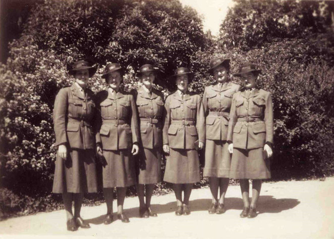 Sharing Stories at ANZAC Cottage 2018. Anne Chapple's mother, Marjorie William (nee Porter), fourth from the left, attending an Australian Women's Army Service searchlight course in Toorak, Victoria, during World War II (Photo from Friends of ANZAC Cottage collection).