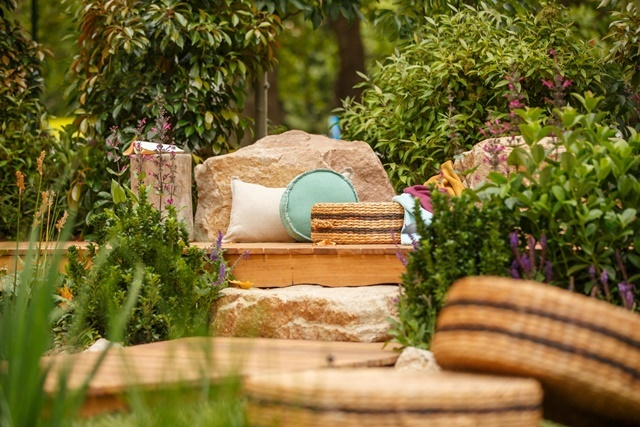 Welcome,garden,for,visitors,to,relax