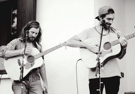 Amistat, misic, duo, brothers, folk music, acoustic,