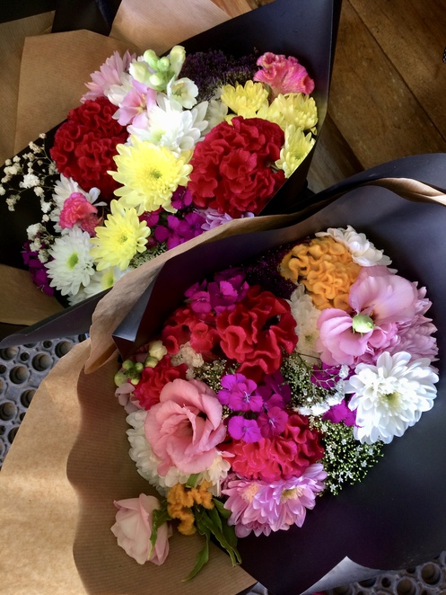 Fresh cut flowers directly from the farmer at market prices.