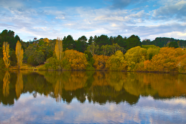 lake daylesford, autumn, reflections,