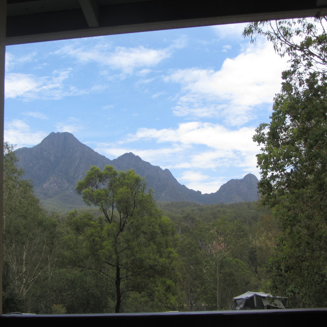 Mt Barney Lodge-Foresters Hut