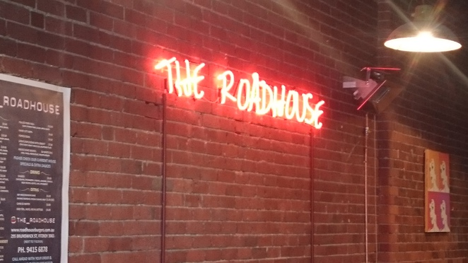 roadhouse burgers and dogs fitzroy, fitzroy burger bar, fitzroy take away