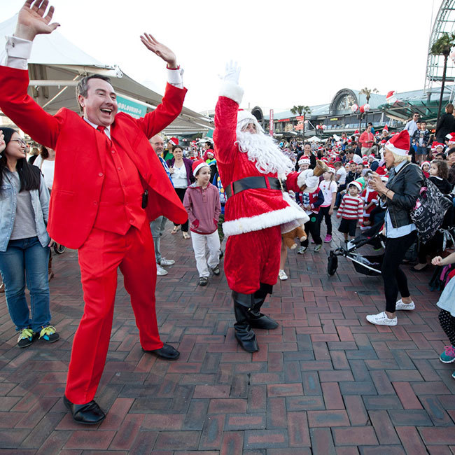 santa, darling harbour, santafest, fun with kids, christmas in sydney,