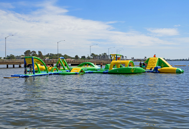 Victoria Melbourne Yarrawonga Mulwala Water Park Fun Park Waterslide Waterslides Trampolines Obstacle Courses Fun For All The Family