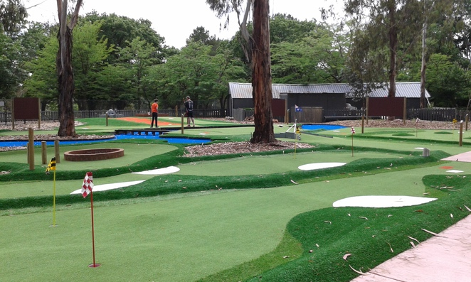 yarralumla play station, canberra, mini golf, childrens parties in canberra, petting zoo in canberra, school holiday activities, family fun,
