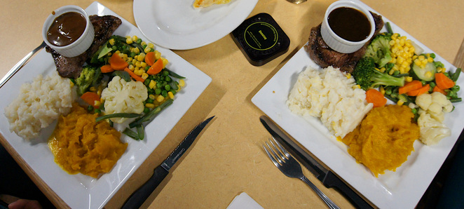 Steaks, Mashed Potatoes & Vegetables at the Aratula Hotel