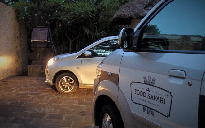 bali food safari vehicle