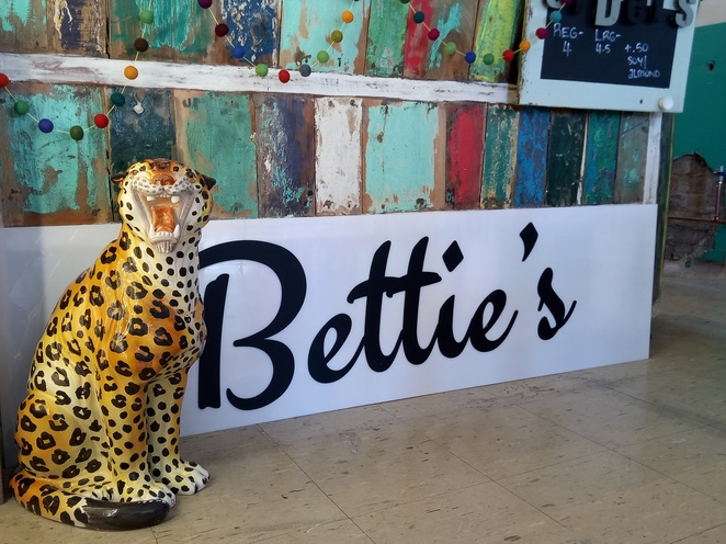 Cafe, northcote, bettie's, retro cafe, vintage