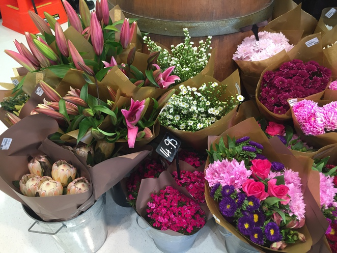 Florists, overseas deliveries, Interflora, Poppy, local, Sunshine Coast