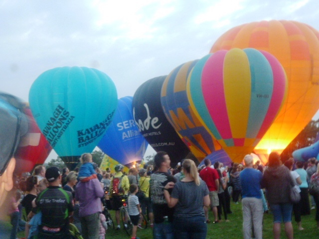 How to enjoy the Canberra Balloon Specatcular