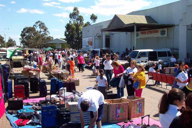 new and second hand goods, antiques and craft