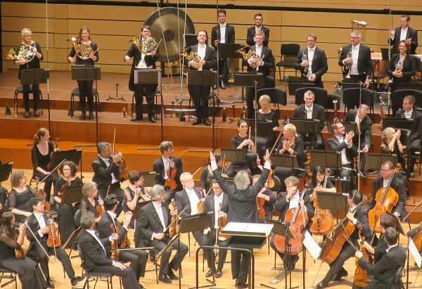qso, Queensland symphony orchestra, symphony, orchestra, classical music, concert, Qpac, conductor may cross, ovation