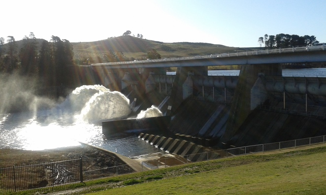 Scriverner Dam, Lake Burley Griffin, Yarramundi Reach, picnic areas, Lookouts, Canberra