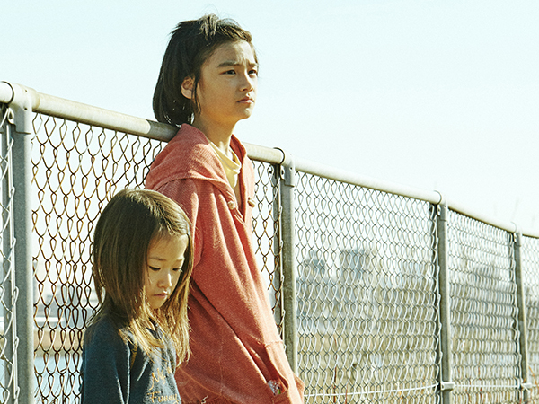 shoplifters, movie, film, review, cinema, japan