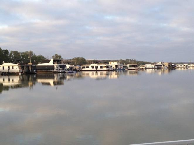 Coffee boat, cafe, Mannum, Mannum Waters, Buena Vista, Marina, lunch, Murray River, House boat, Floating cafe