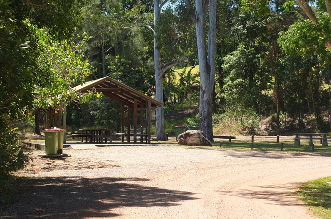 Dunethin Lake, Dunethin Rock, Maroochy River, fishing, picnics, jetty, boat ramp, Maroochy River Trail, canoeing, paddling, kayaking, camping