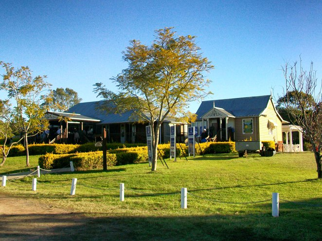 Jimboomba, House, colonial, Queenslander, restaurant, Hills, golf course, breakfast, lunch, dinner, dining