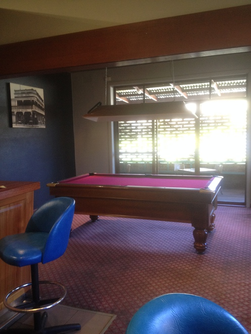 Pool table, Victoria Hotel Tallangatta