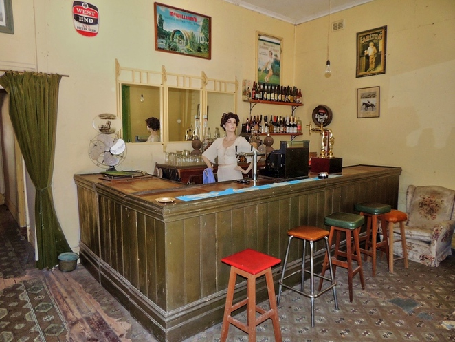 tailem town, ghost adventures, history of south australia, ghost tours, old tailem town, holiday in sa, about south australia, tourism, tailem bend, front bar