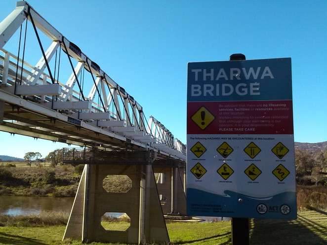Tharwa Bridge warning signs, Canberra