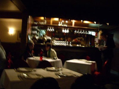 From the entrance : a tiny bar- & table settings – Alex.
