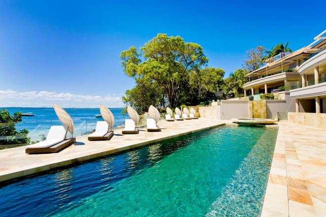 Amarna Luxury Beach Resort, dutchmans beach, port stephens, nelson bay, NSW, luxury accommodation, places to stay, things to do, views, pools, swimming, SUP,