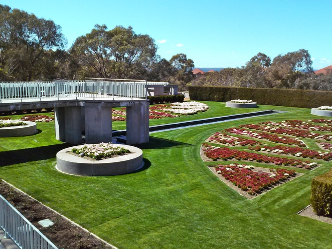 house of representatives formal gardens, parliament house, weddings, canberra, ACT, gardens, spring,