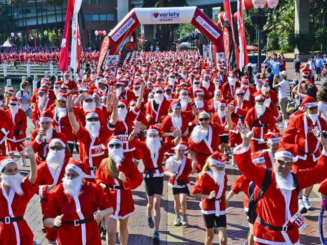 santa, variety santa fun run, darling harbour, fun with kids, sydney christmas