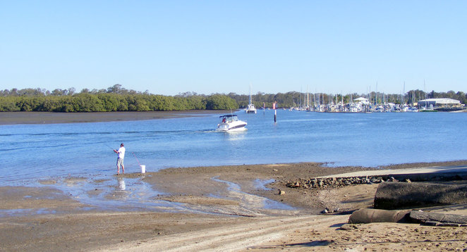 Fishing and boating on the Cabbage Tree Creek Estuary