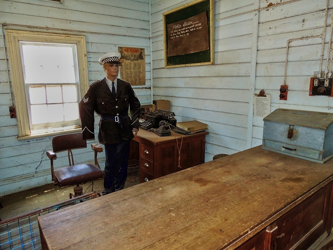 tailem town, ghost adventures, history of south australia, ghost tours, old tailem town, holiday in sa, about south australia, tourism, tailem bend, police officer