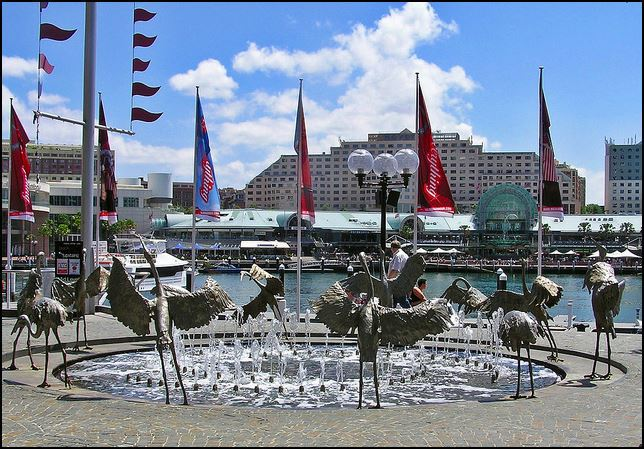 The Dancing Brolgas Fountain, Cockle Bay, Darling Harbour, Water feature, Sydney,