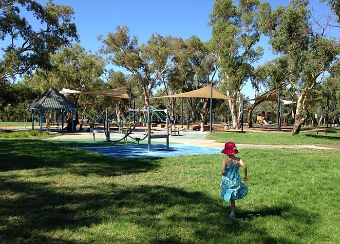 black mountain peninsula, canberra, ACT, playgrounds, BBQ areas, picnic spots,
