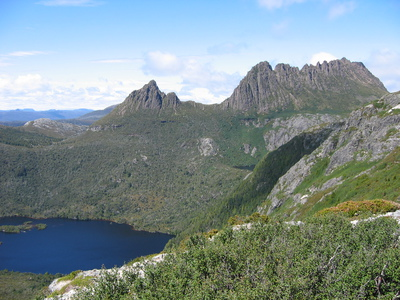Cradle Mountain and the wilderness areas of Tasmania are great spots to escape to in the heat of summer. Image from Wikimedia Commons (by Berichard).