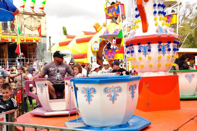 Cup & Saucer Ride at Kid's Big Carnival Rockingham
