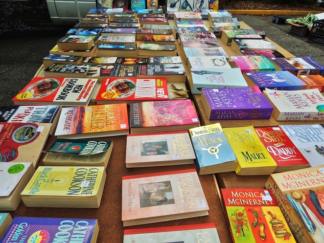 farmers markets, food markets, organic food, market in adelaide, growers market, urrbrae barn market, urrbrae agricultural high, market stalls, secondhand books