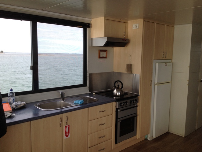 mandurah houseboats, kitchen
