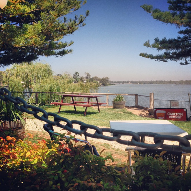 nagambie, lakes, dam, goulburn, river, victoria, eat, pub, dine, outdoors