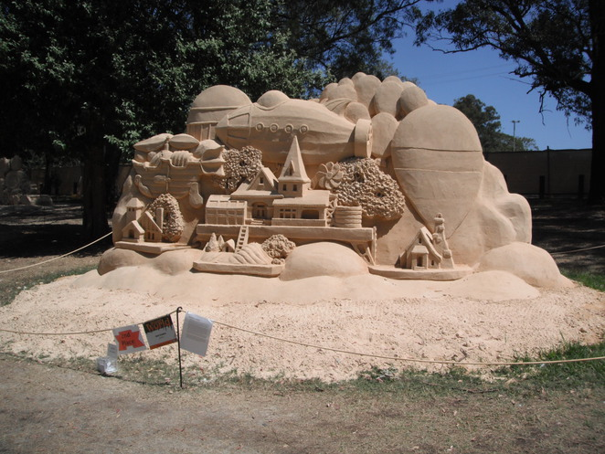 sand sculpture lost world