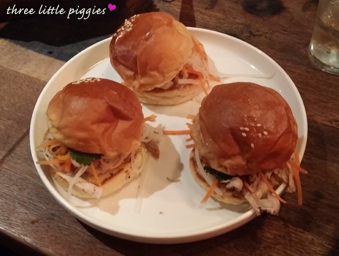 three little pigs, Shortys, eat out Canberra, Canberra bar, Canberra pub