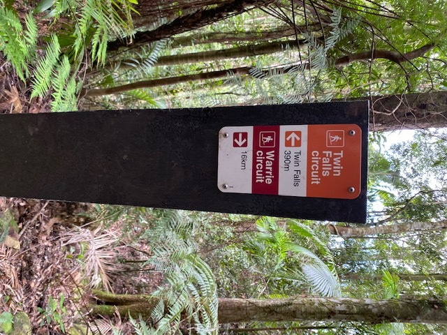 Twin Falls Circuit is exceptionally well signposted
