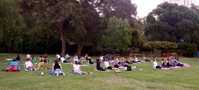 yoga on the foreshore, anthony papalia yoga, yoga for everyone, south perth yoga, free yoga, free yoga wednesdays