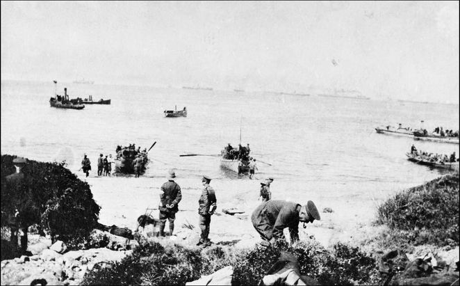 The Gallipoli landing of the ANZAC, 25 April 1915. Creative Commons Copyright © Australian War Memorial