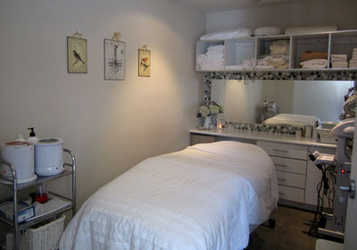 Refresh face body beauty salon sydney for A little luxury beauty salon