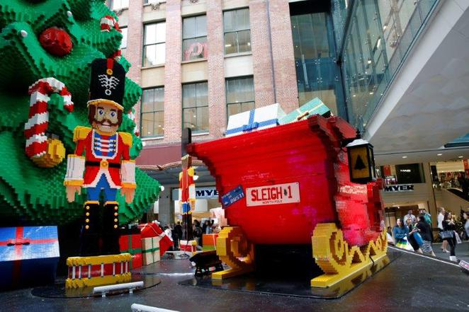 CHristmas in the city, free christmas things to do in sydney, free and cheap things with kids, Christmas in Sydney