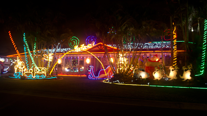 christmas lights brisbane bracken ridge barbour road decorations december australia santa free walking